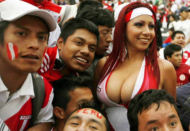 Images-Pictures-and-Photos-of-Beautiful-Sexy-and-Hot-Peruvian-girls-Peru-Female-Fans-In-World-Cup-2018-1